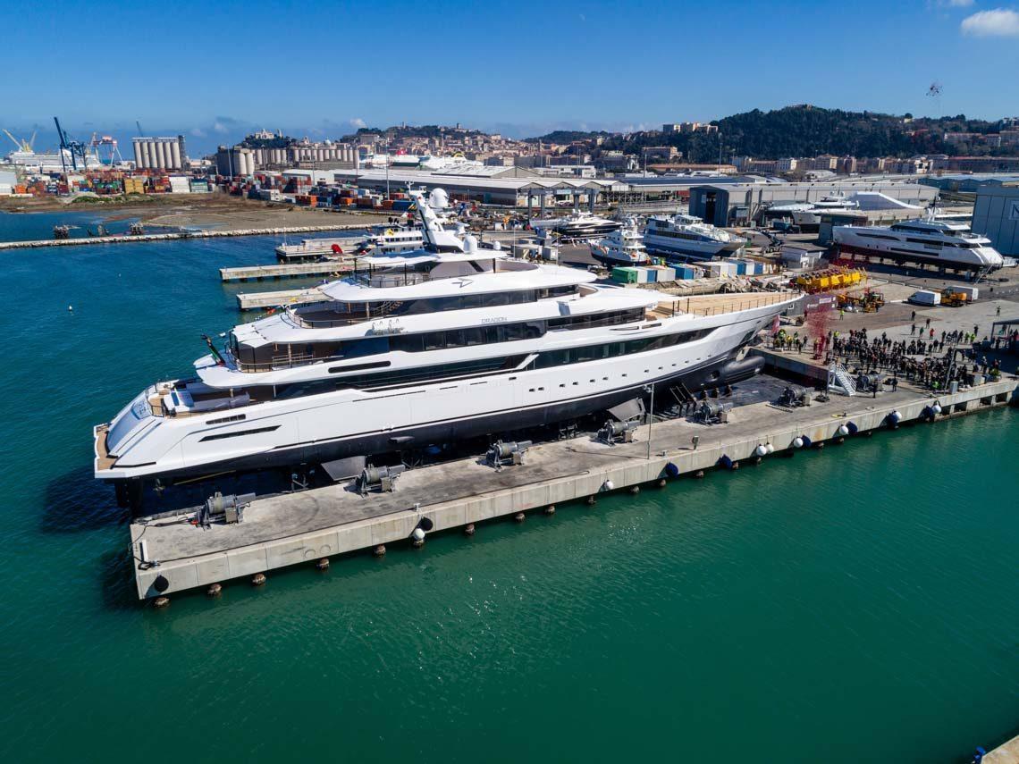 facilities-dry-docking-floating-docking-hauling-launching-11