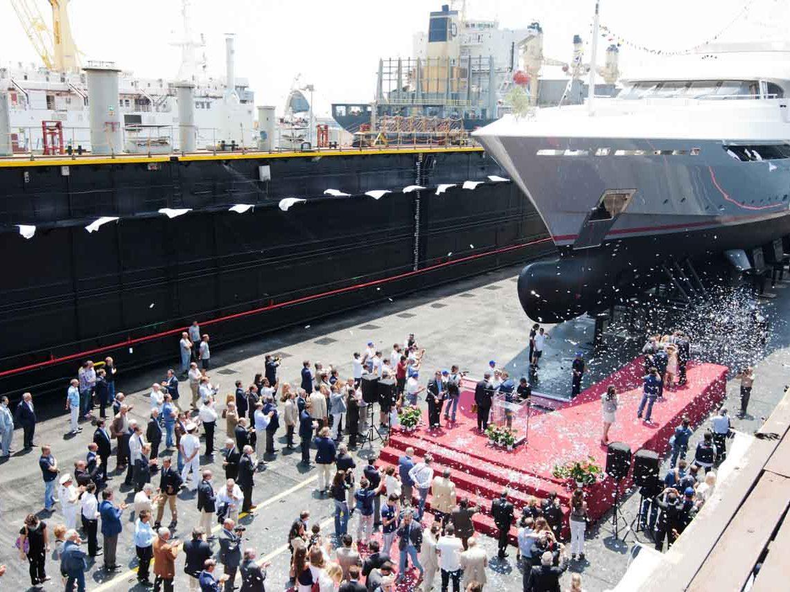 facilities-dry-docking-floating-docking-hauling-launching-2