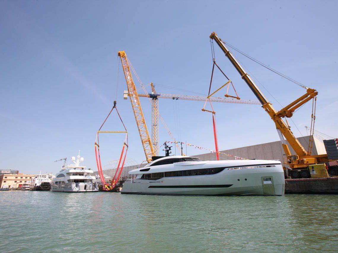 facilities-dry-docking-floating-docking-hauling-launching-6