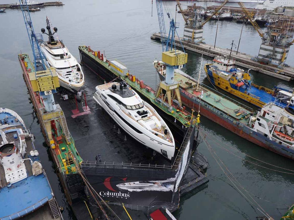 facilities-dry-docking-floating-docking-hauling-launching-7