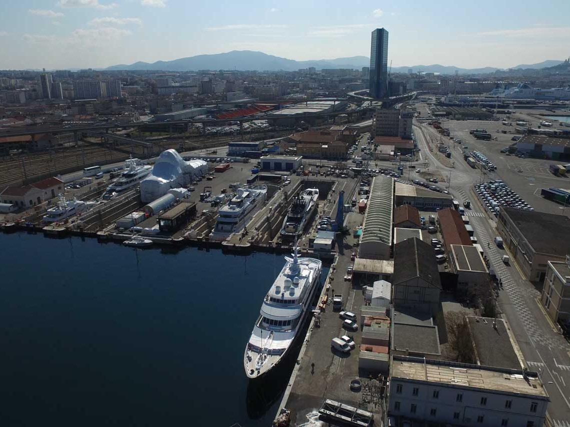 facilities-dry-docking-floating-docking-hauling-launching-9