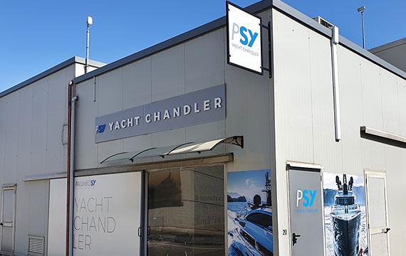 Yacht Chandler
